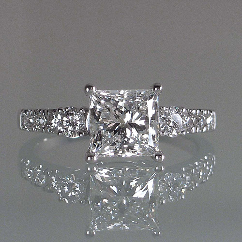Diamond engagement ring with princess cut diamond