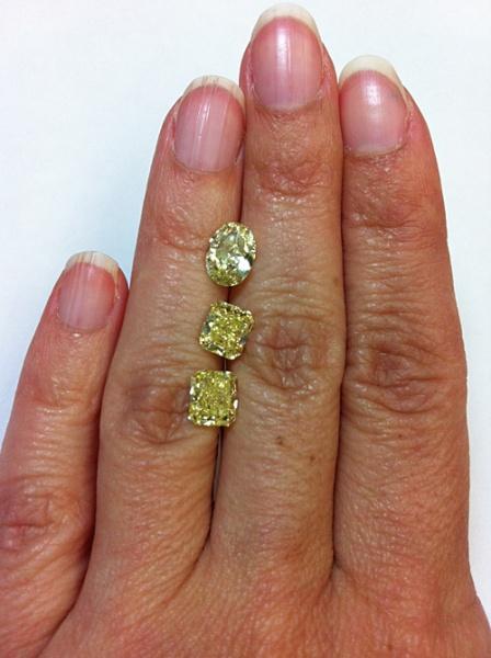 Linda Engagement Ring Fancy Yellow Diamonds