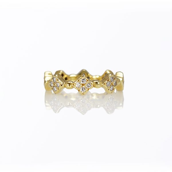Clover Diamond Eternity Band in 18K Yellow Gold