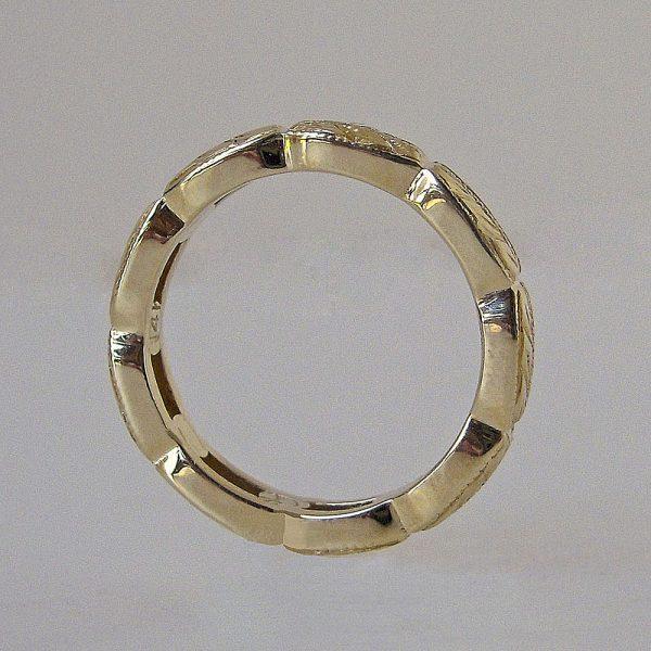 Nicki wedding ring side view