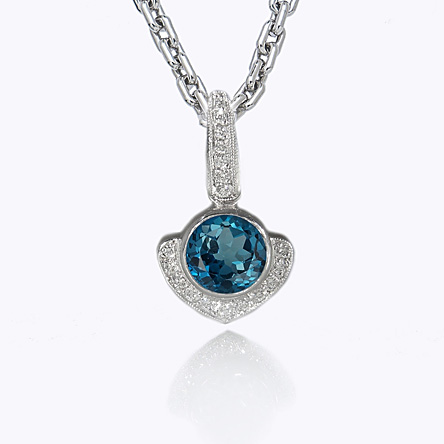 Big Kiss London Blue Topaz Pendant