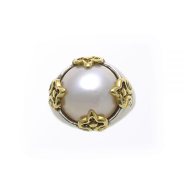 Fluer Mabe Pearl Ring in 18K Yellow Gold