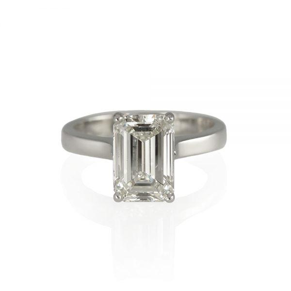 Kim Emerald Cut Solitaire Diamond Engagement Ring 1000