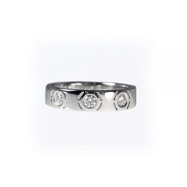 Three Kisses Diamond wedding ring side view