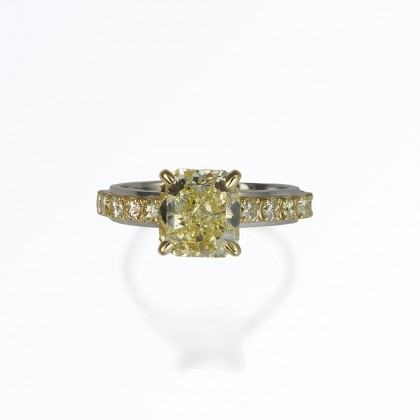 Linda custom made engagement ring