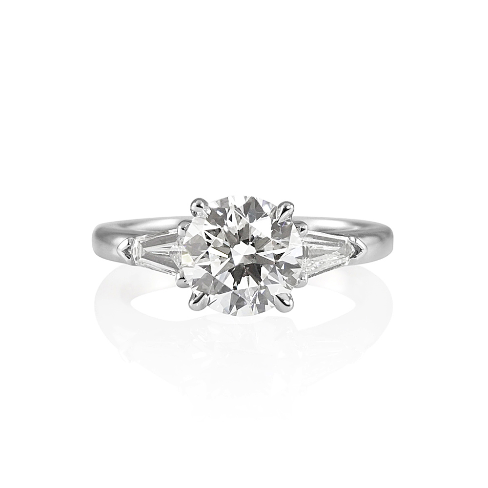 engagement bullet ring radiant rings product jewelry style in with diamond side platinum plat solitaire and set stones trapezoid kwiat