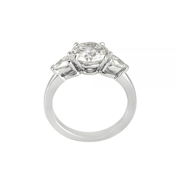 Lissy Round Brilliant Cut Diamond Three Stone Engagement Ring-2042